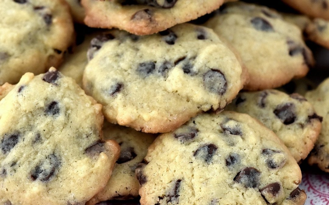 Chewy Vegan Chocolate Chip Cookies – Free-From Delights